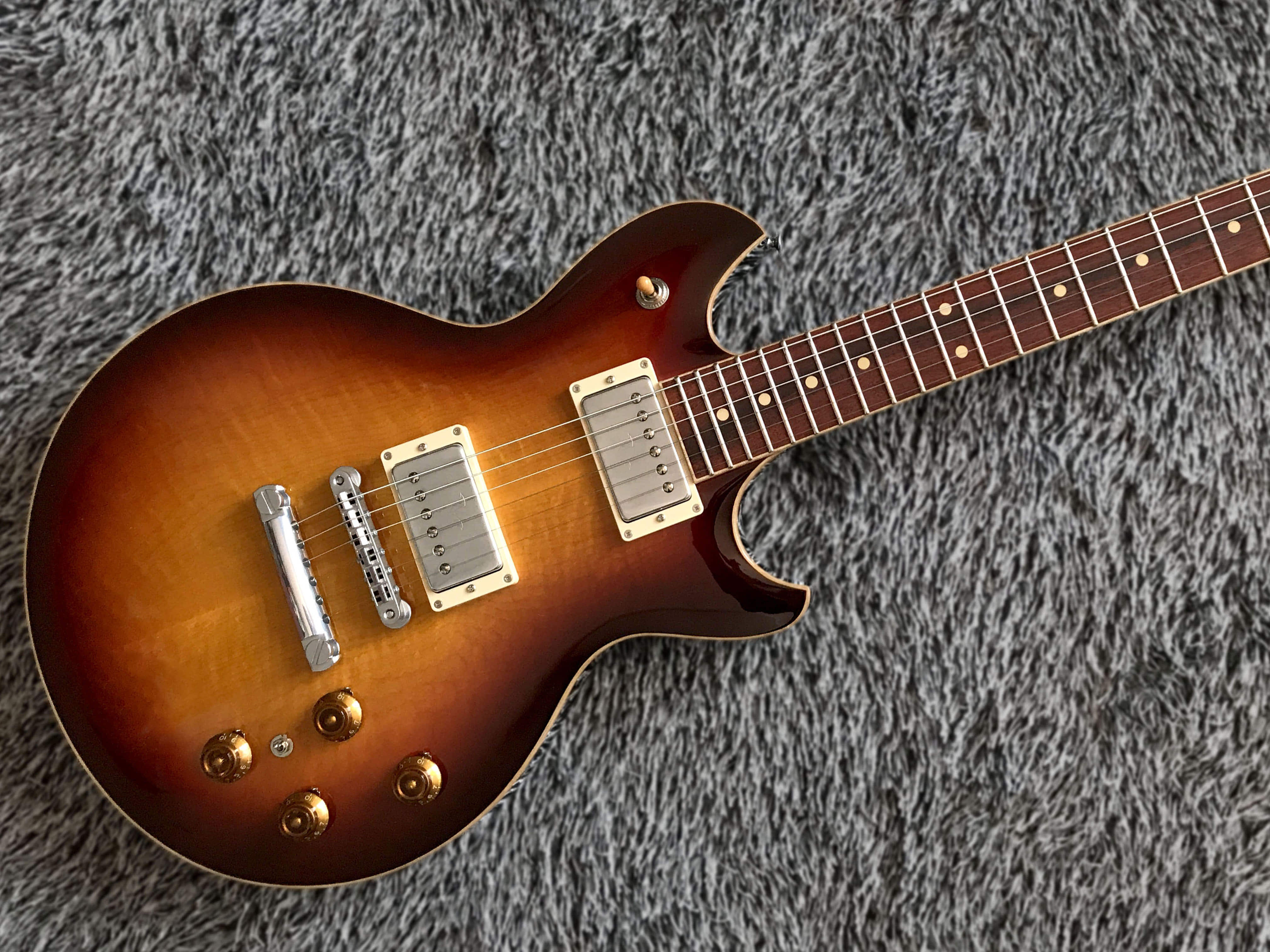 SUGI LAQC GUITAR (Vintage Sunburst Color)