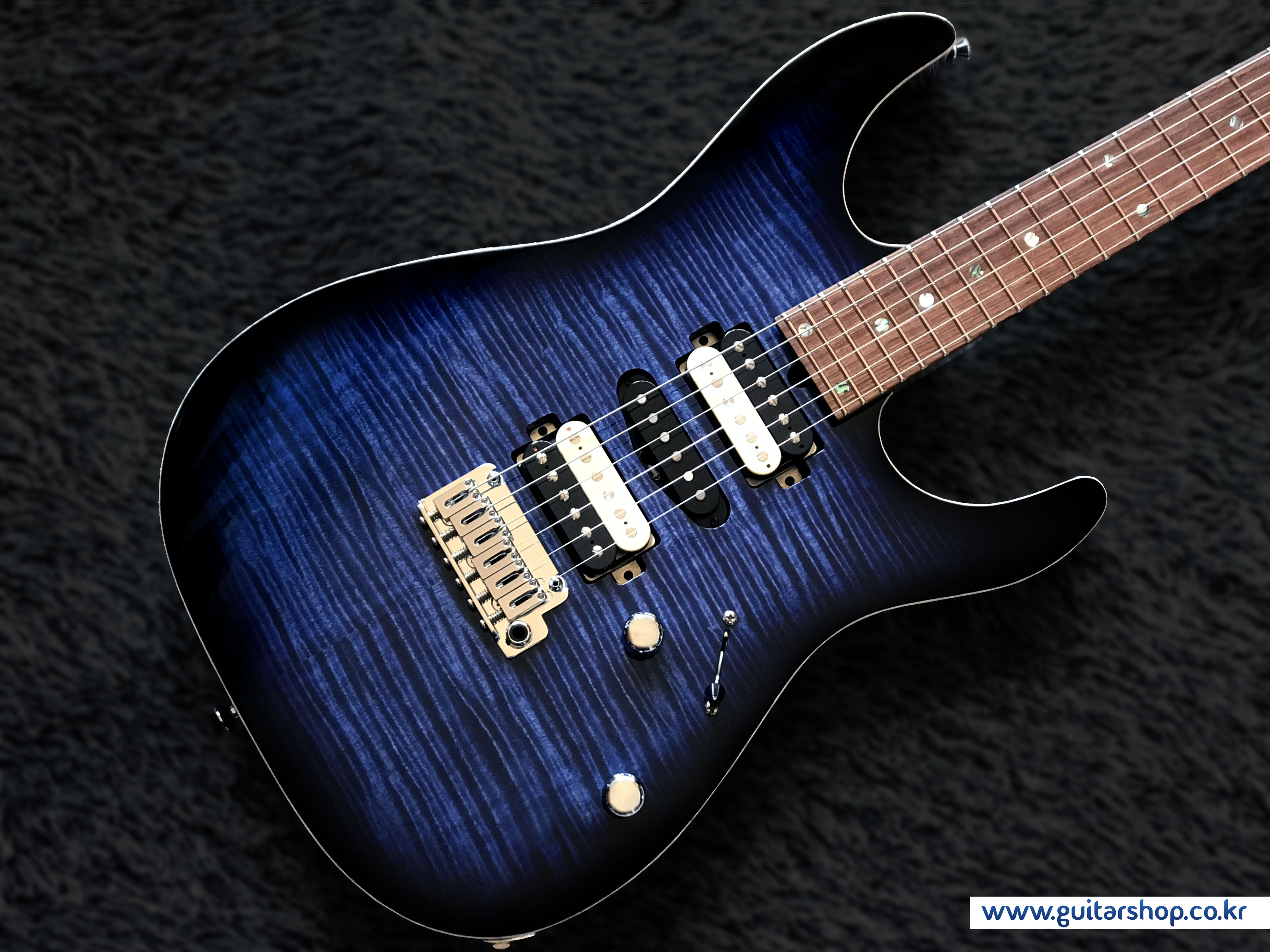 T's DST-Pro24 Mahogany-Limited GUITAR (Whale Blue Burst)