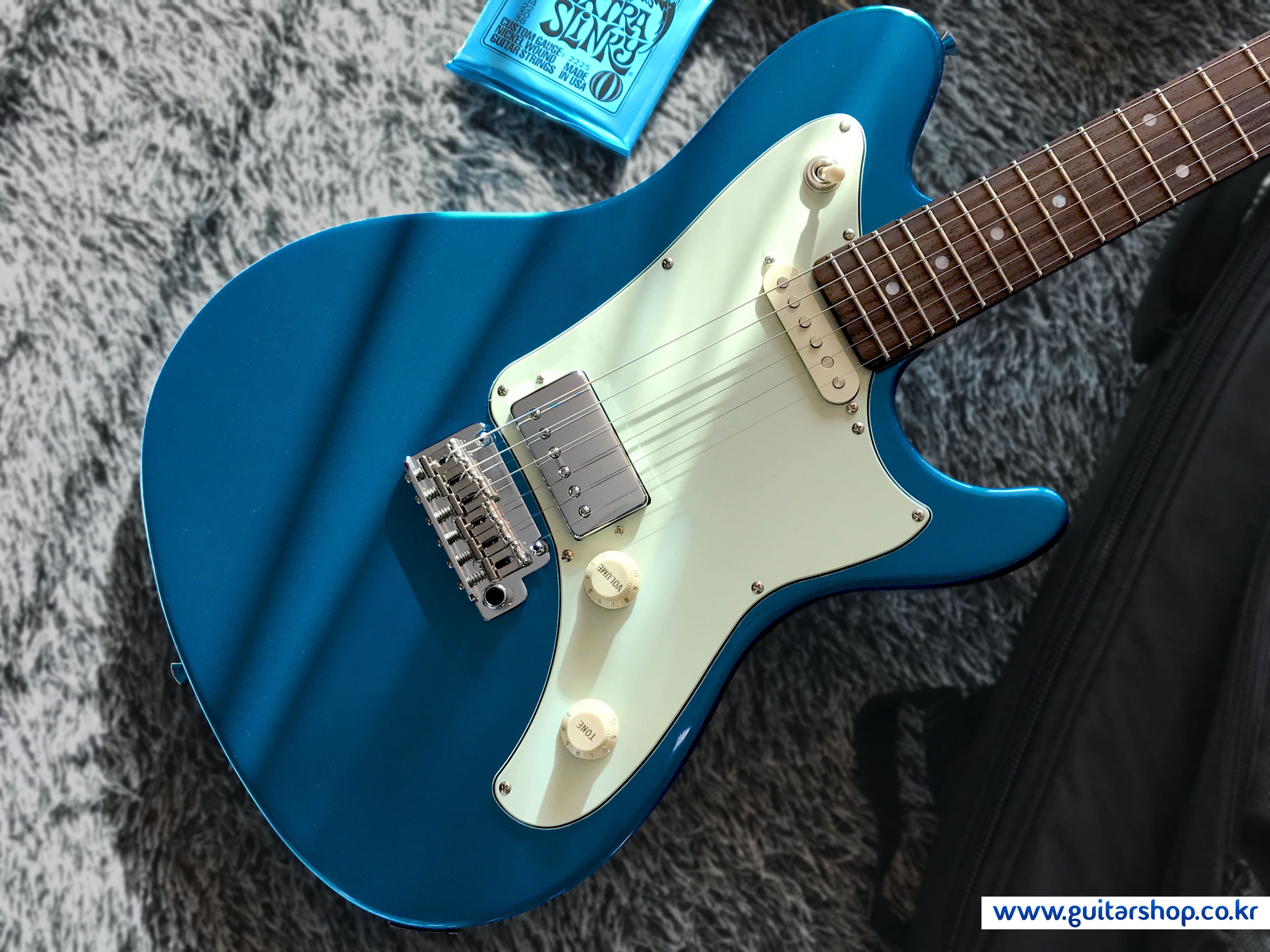 SUGI RMG GUITAR (Lake Placid Blue Color)