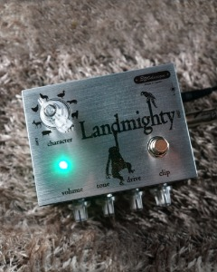 320design - Landmighty (Overdrive)